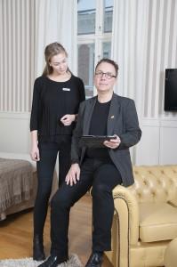 _DSC9044_0603_Lennart+Frida_sittande_mindre